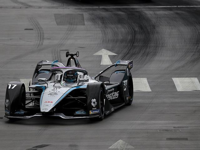 Online betting on motorsport